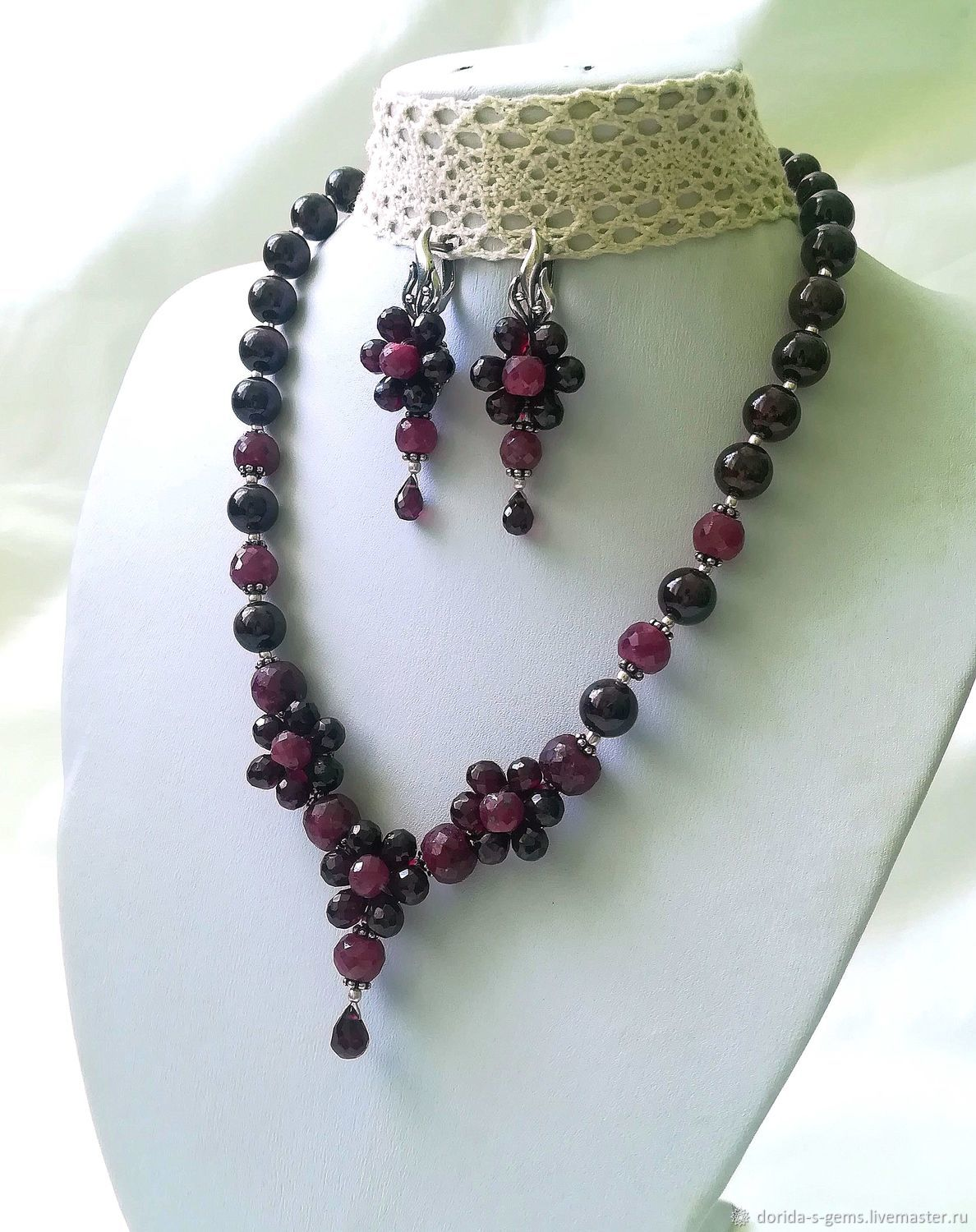 author's necklace, handmade jewelry, garnet necklace, garnet necklace, garnet beads, garnet necklace, elegant necklace, jewelry pomegranate necklace