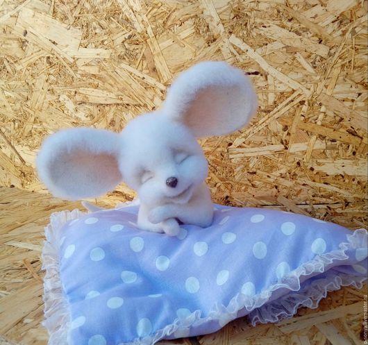 Игрушки животные, ручной работы. Ярмарка Мастеров - ручная работа. Купить Мышка- сплюшка. Handmade. Белый, нежный подарок