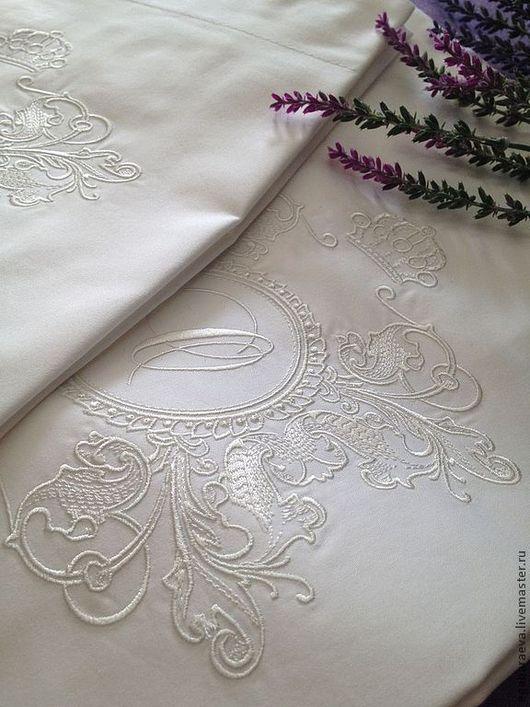 Текстиль, ковры ручной работы. Ярмарка Мастеров - ручная работа. Купить Постельное белье с вышивкой - Королева в белом сатин. Рамка. Handmade.