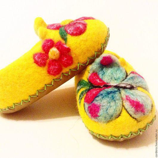 Обувь ручной работы. Ярмарка мастеров. Handmade.Тапочки валяные. Тапочки бабочка купить. Тапочки валяные детские. Валяные тапочки детские .  Хендмейд..