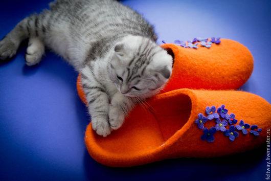 Обувь ручной работы. Ярмарка Мастеров - ручная работа. Купить Тапки - шлепки войлочные Антидепрессант. Handmade. Рыжий, тапки мужские