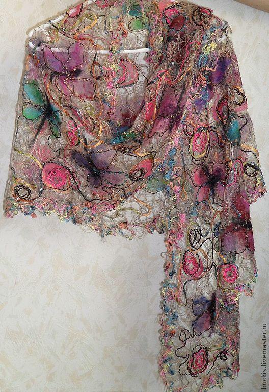 Шали, палантины ручной работы. Ярмарка Мастеров - ручная работа. Купить Полёт бабочек - Ажурная шаль. Handmade. Абстрактный, подарок