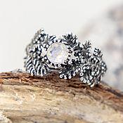 Украшения ручной работы. Ярмарка Мастеров - ручная работа Хвоя кольцо с лунным камнем адуляром из серебра в виде еловой веточки. Handmade.