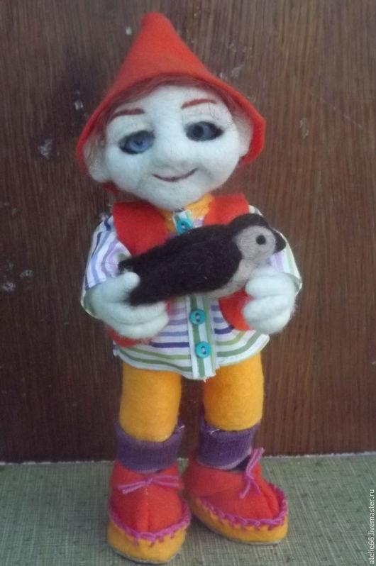 Сказочные персонажи ручной работы. Ярмарка Мастеров - ручная работа. Купить игрушка Гном с птичкой. Handmade. Комбинированный, ручной работы