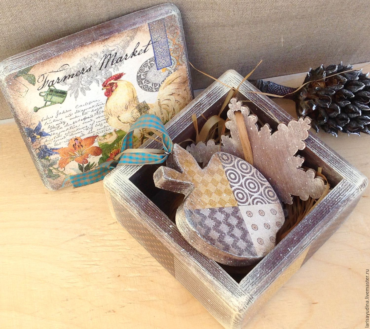 christmas box rooster shop online on livemaster with shipping