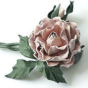 Украшения ручной работы. Ярмарка Мастеров - ручная работа Роза из кожи с бутоном Эмили. Брошь из кожи. Цветы из кожи. Handmade.
