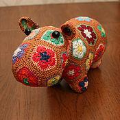 Мягкие игрушки ручной работы. Ярмарка Мастеров - ручная работа Бегемот игрушка вязаная крючком из цветочных элементов. Handmade.