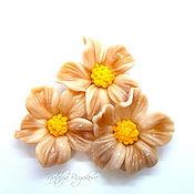handmade. Livemaster - original item Flower beads lampwork beige. Handmade.