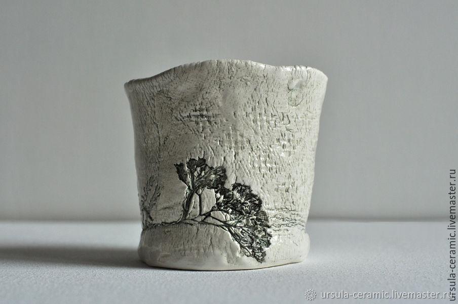 Керамическая вазочка для цветов