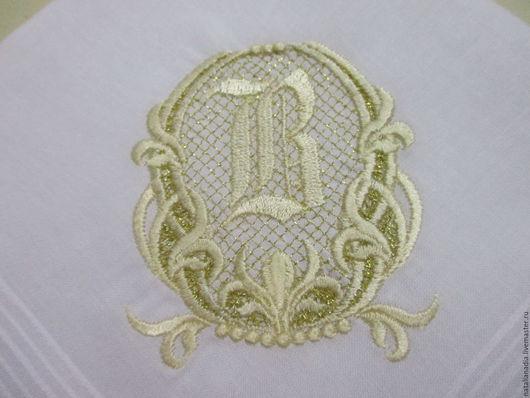 Носовые платочки ручной работы. Ярмарка Мастеров - ручная работа. Купить Носовой платок с вышивкой женский (монограмма2). Handmade. Белый