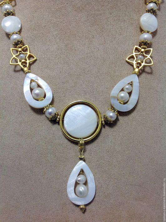Комплект украшений из жемчуга и перламутра в нежном , изысканном стиле Раковина-жемчужница. Креативный подарок для романтической , утонченной натуры. Handmade.