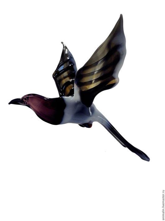 Элементы интерьера ручной работы. Ярмарка Мастеров - ручная работа. Купить Интерьерное подвесное украшение из цветного стекла птица Сорока Potin. Handmade.