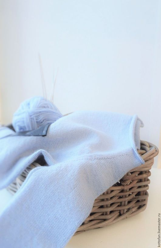 Одежда унисекс ручной работы. Ярмарка Мастеров - ручная работа. Купить Голубой джемпер для малыша. Handmade. Голубой, джемпер
