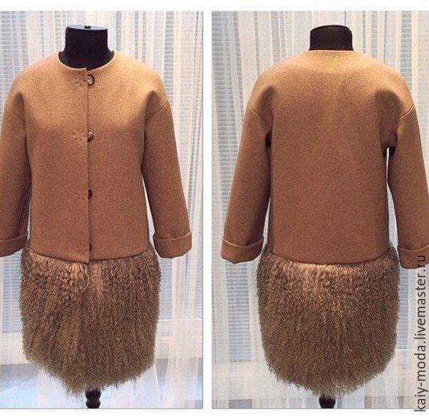 e02d15f6413 Зимнее пальто на утеплителе с мехом ламы по низу -