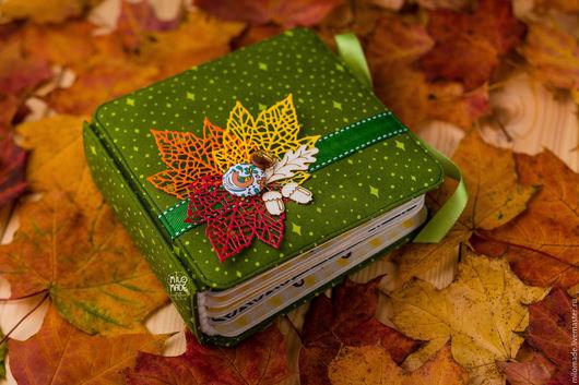 """Фотоальбомы ручной работы. Ярмарка Мастеров - ручная работа. Купить Альбом """"Осенний листопад"""". Handmade. Тёмно-зелёный, осень"""