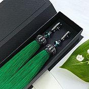 """Серьги-кисти ручной работы. Ярмарка Мастеров - ручная работа Изумрудные серьги кисти """"Green lux"""" зеленые сережки кисточки. Handmade."""