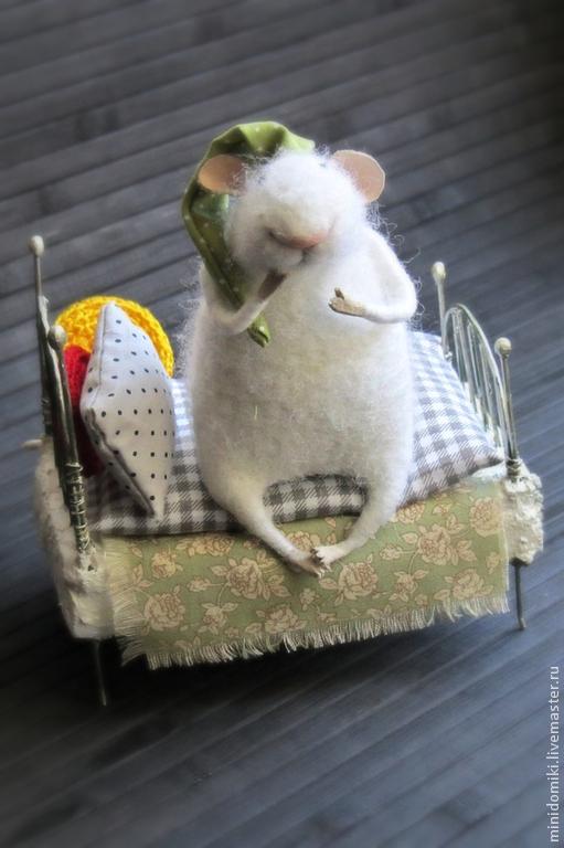 Игрушки животные, ручной работы. Ярмарка Мастеров - ручная работа. Купить Спать пора.... Handmade. Белый, мышь, мышка из шерсти