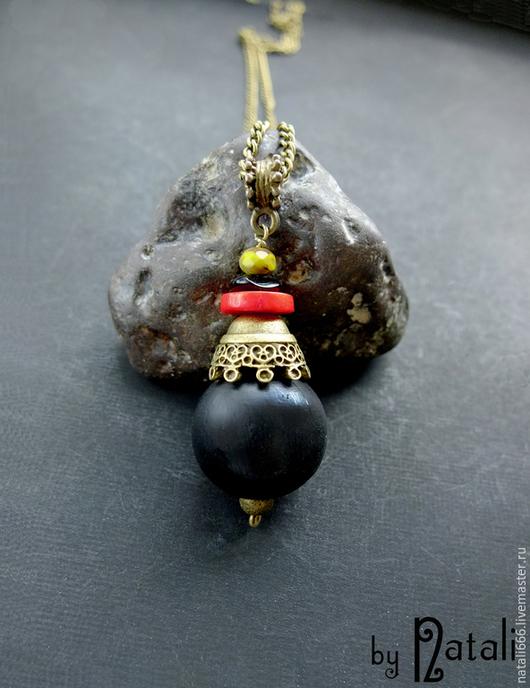 """Кулоны, подвески ручной работы. Ярмарка Мастеров - ручная работа. Купить Кулон """"Африканский сувенир"""" - дерево, коралл, агат, чешское стекло. Handmade."""
