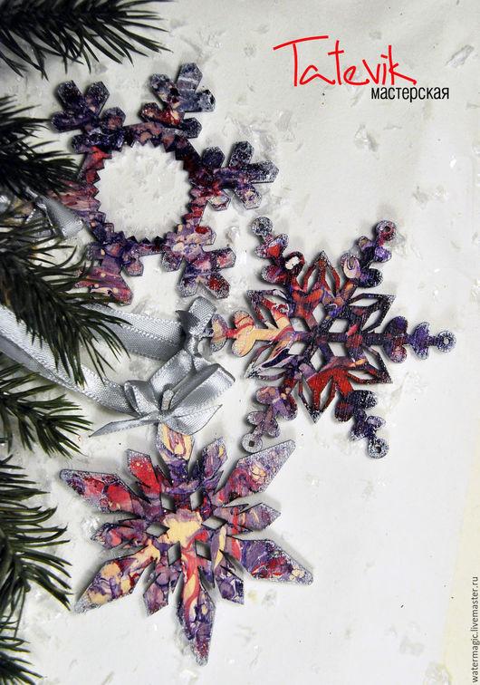 """Новый год 2017 ручной работы. Ярмарка Мастеров - ручная работа. Купить Подвески-игрушки на елку """"Снежинки нежные"""" дерево.. Handmade."""