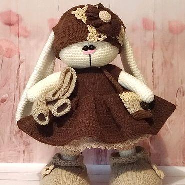 Куклы и игрушки ручной работы. Ярмарка Мастеров - ручная работа Вязаная зайка в одежде. Handmade.