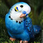 Подарки к праздникам ручной работы. Ярмарка Мастеров - ручная работа Елочная игрушка на прищепке из папье маше, попугай, фигурка. Handmade.