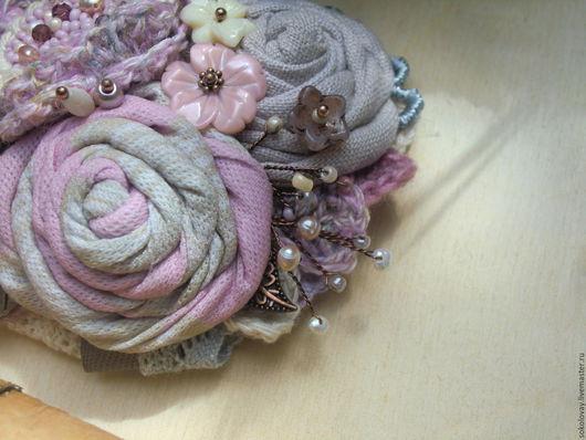 """Броши ручной работы. Ярмарка Мастеров - ручная работа. Купить Брошь текстильная """"Лепестки роз"""". Handmade. Брошь, броши, яшма"""