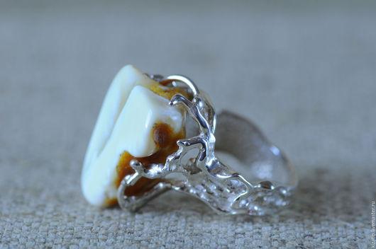 Кольца ручной работы. Ярмарка Мастеров - ручная работа. Купить кольцо зимняя ветвь янтарь. Handmade. Янтарь, кольцо, белый