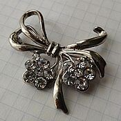 handmade. Livemaster - original item Bow Brooch with flowers. Handmade.