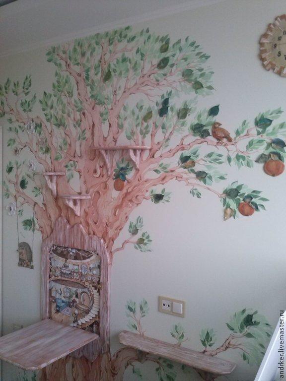 Роспись в детской с включением объемно пространственных элементов( полки, складной настенный игровой столик и объемные керамические глазурованные листья, яблоки и цветы)