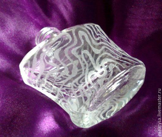 Пример формы и гравировки атомайзера на 10мл. Ручная алмазная гравировка по стеклу. Флакон для парфюма.
