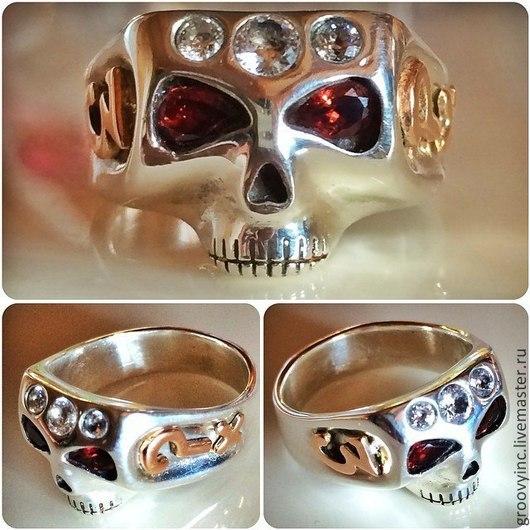 Кольца ручной работы. Ярмарка Мастеров - ручная работа. Купить Кольцо - череп Джонни из серебра , символы золото, инкрустация гранат. Handmade.