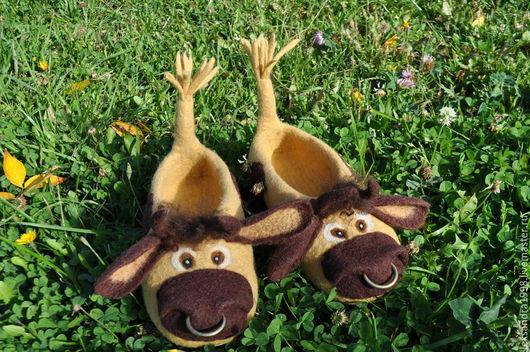"""Обувь ручной работы. Ярмарка Мастеров - ручная работа. Купить Валяные тапочки """"Соломенный бычок - смоляной бочок"""". Handmade. Бежевый"""