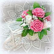 Косметика ручной работы. Ярмарка Мастеров - ручная работа Букет в кашпо велосипед розы белые розовые в подарок учителю. Handmade.