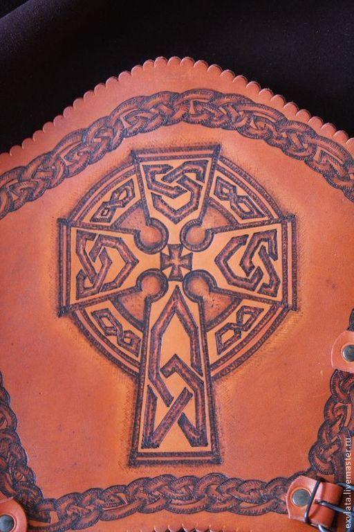"""Ролевые игры ручной работы. Ярмарка Мастеров - ручная работа. Купить Наручи кожаные """"Кельтский крест & Древо жизни """". Handmade."""