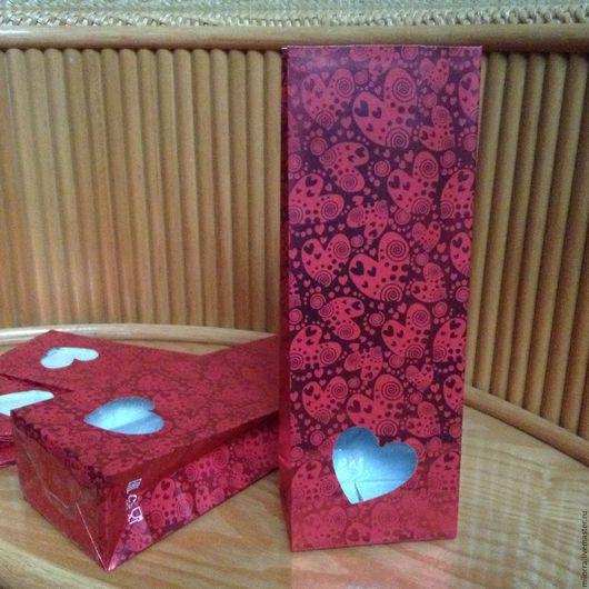 Упаковка ручной работы. Ярмарка Мастеров - ручная работа. Купить Красный пакет 22,5х8х5  см с окном Сердце. Handmade.