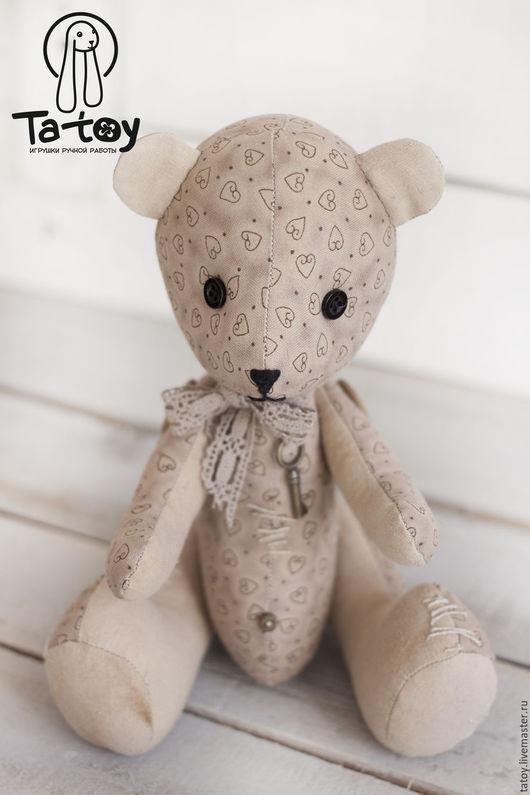 Классическая игрушка Медведь в сердце Дизайнерские игрушки Ta-Toy ручной  работы.
