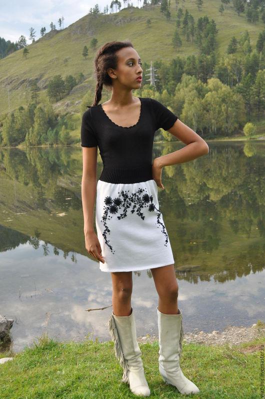 """Платья ручной работы. Ярмарка Мастеров - ручная работа. Купить Платье с коротким рукавом и вышивкой  """"Черно-белая страсть"""". Handmade."""