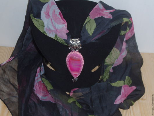 Кулоны, подвески ручной работы. Ярмарка Мастеров - ручная работа. Купить Кулон из розового агата на шарфике.. Handmade. Розовый