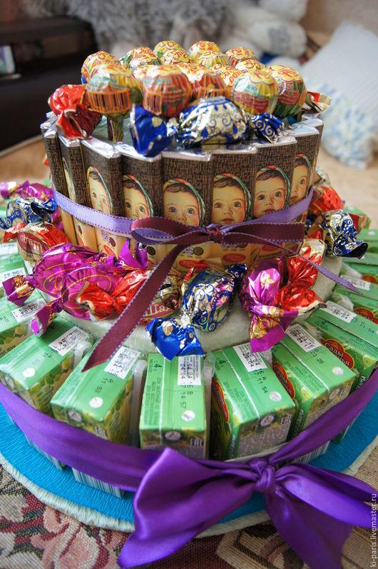 Торт из соков, конфет, чупа-чупсов и шоколадок