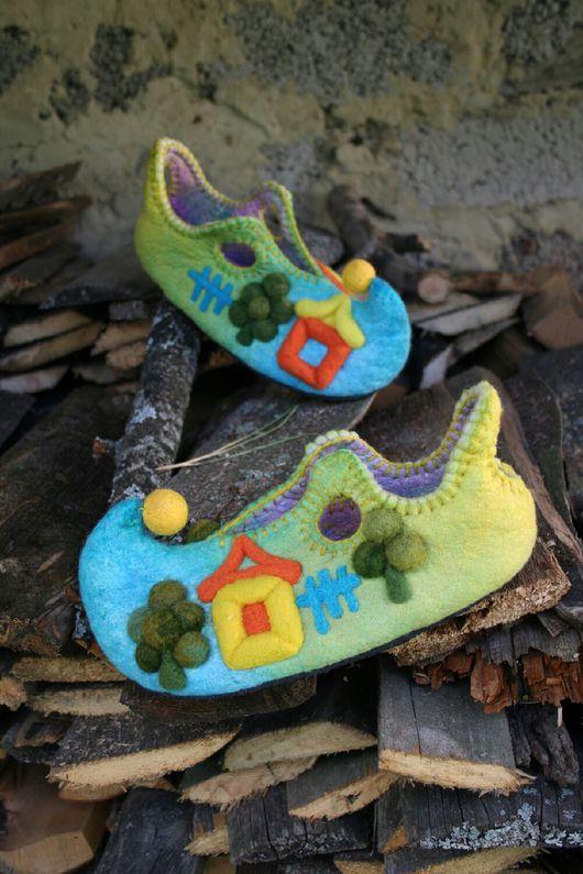 """Обувь ручной работы. Ярмарка Мастеров - ручная работа. Купить Валяные тапочки """"Это было летом, летом, летом..."""". Handmade."""