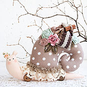 Куклы и игрушки ручной работы. Ярмарка Мастеров - ручная работа Улитка тильда кофейная, улитка  в подарок, тильда улитка. Handmade.