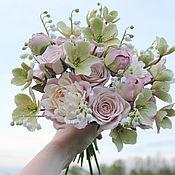 Свадебные букеты ручной работы. Ярмарка Мастеров - ручная работа Пыльно-розовый букет невесты с пионами розами и морозником. Handmade.