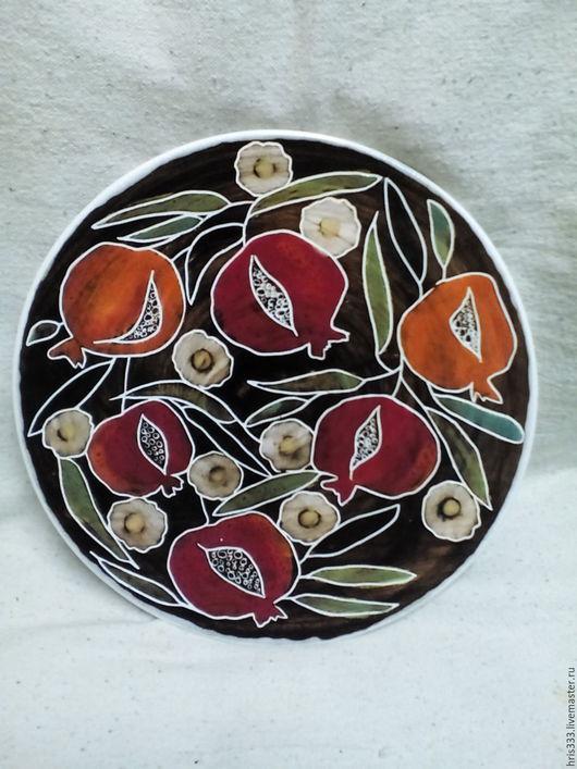 """Тарелки ручной работы. Ярмарка Мастеров - ручная работа. Купить Керамическая тарелка """"Гранаты"""". Handmade. Ярко-красный, тарелка, гранат"""