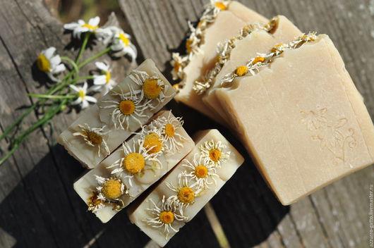 Мыло ручной работы. Ярмарка Мастеров - ручная работа. Купить Ромашки, нежное мыло сваренное на отваре лечебной ромашки. Handmade.