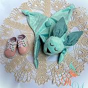Куклы и игрушки ручной работы. Ярмарка Мастеров - ручная работа Комфортер зайка, первая игрушка для малыша.. Handmade.