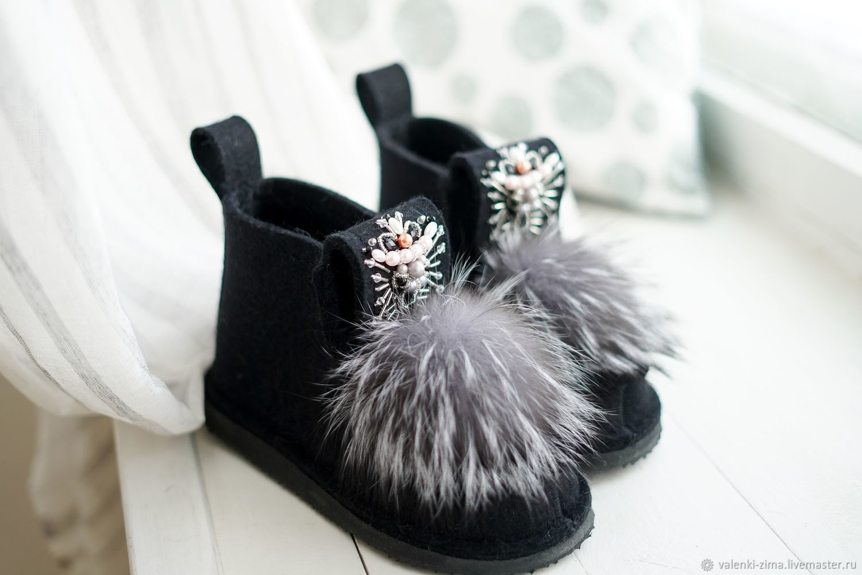 Обувь ручной работы. Ярмарка Мастеров - ручная работа. Купить Валенки ZIMA. Handmade. Черный, угги со стразами