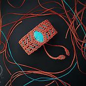 Браслет плетеный ручной работы. Ярмарка Мастеров - ручная работа Браслет с хризоколлой плетёный в технике макраме коричневый голубой. Handmade.
