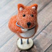 Куклы и игрушки ручной работы. Ярмарка Мастеров - ручная работа Лиса-стесняка (сувенирная игрушка из шерсти). Handmade.