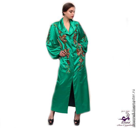 """Верхняя одежда ручной работы. Ярмарка Мастеров - ручная работа. Купить Роскошное длинное пальто из шелка с вышивкой """"Изумрудные Орхидеи"""". Handmade."""