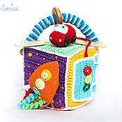 Развивающий кубик для мальчика с ручкой